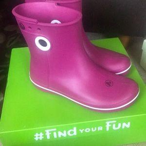 Shoes - Croc rain boots women's size 8